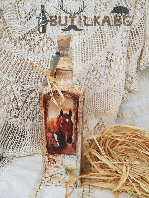 Бутилка за уиски с коне и ловни кучета