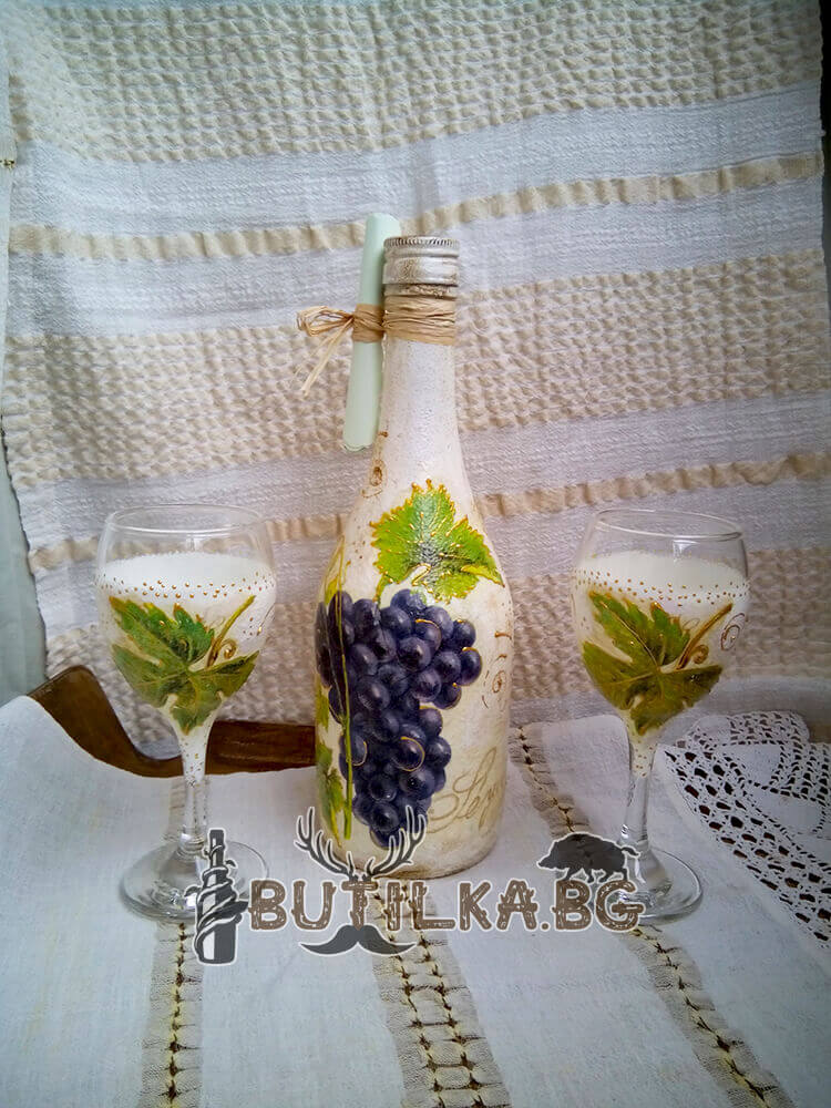 """Бутилка и чаши """"Гроздова Ракия"""""""