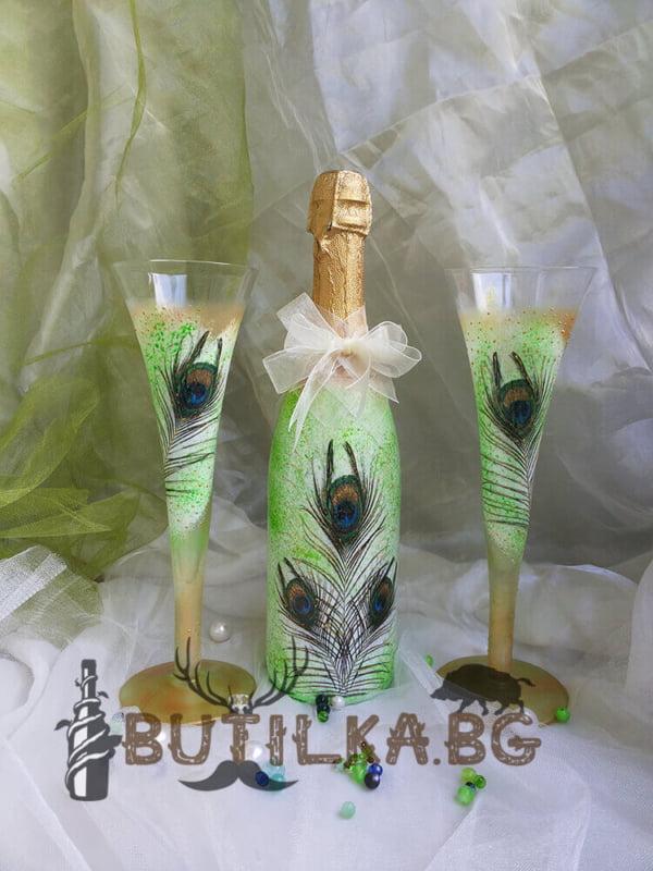 Шампаанско и две чаши за сватба