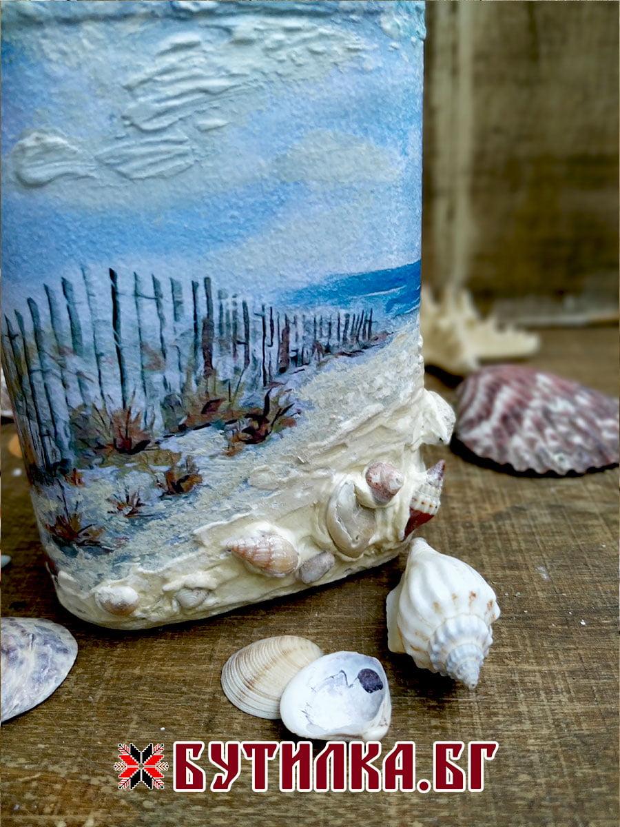 малка морска бутилка с мидички